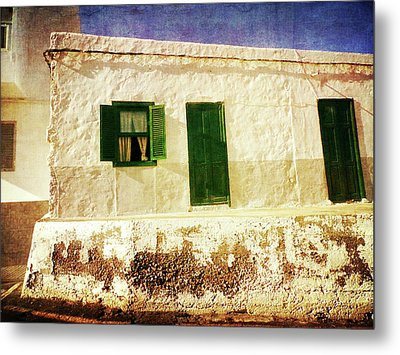 Metal Print featuring the photograph Alcala White And Green House by Anne Kotan