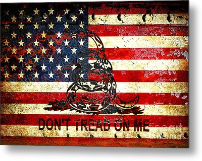 American Flag And Viper On Rusted Metal Door - Don't Tread On Me Metal Print