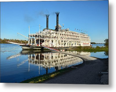 American Queen Steamboat Reflections On The Mississippi River Metal Print by David Lawson