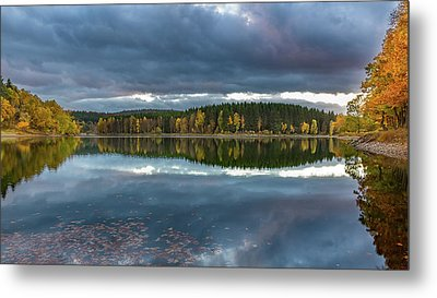 An Autumn Evening At The Lake Metal Print by Andreas Levi