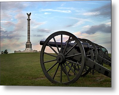 Antietam Cannon And Monument At Sunset Metal Print