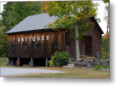 Antique Barn In Fall Metal Print