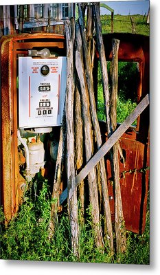 Metal Print featuring the photograph Antique Gas Pump by Linda Unger
