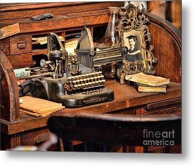 Antique Typewriter Metal Print by Paul Ward