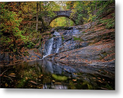Arch Bridge In Autumn Metal Print