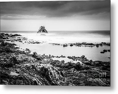 Arch Rock In Corona Del Mar Newport Beach California Metal Print by Paul Velgos