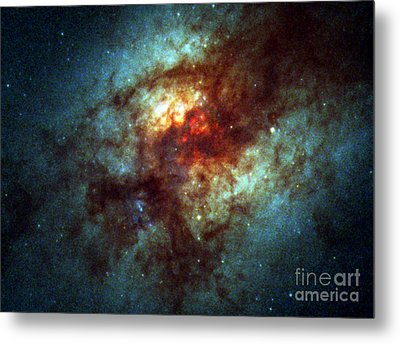 Arp 220, Ultraluminous Infrared Galaxies Metal Print by Science Source