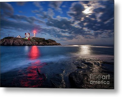 August Moon Metal Print by Scott Thorp