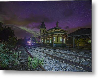 Aurora Over The Crawford Notch Depot Metal Print