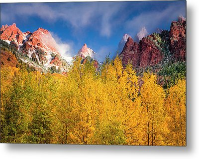 Metal Print featuring the photograph Autumn Aspens by Andrew Soundarajan