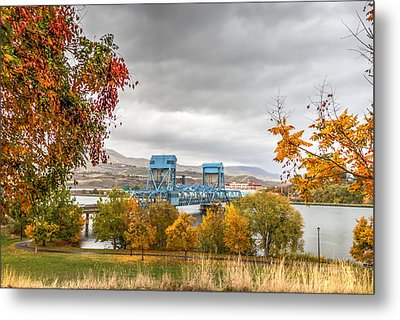 Autumn In The Park Metal Print by Brad Stinson