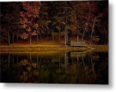 Autumn On The Lake Metal Print by Linda Unger