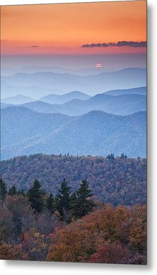 Autumn Sunset On The Parkway Metal Print by Rob Travis