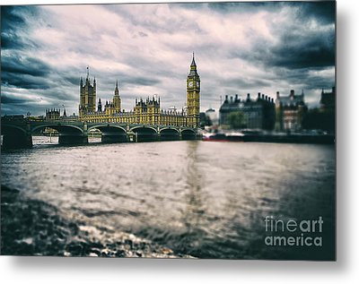 Back In London Metal Print by Alessandro Giorgi Art Photography