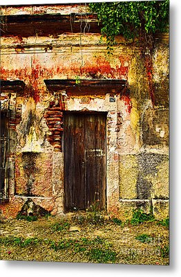 Back Lot By Darian Day Metal Print by Mexicolors Art Photography
