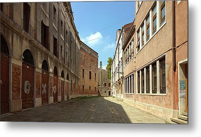 Metal Print featuring the photograph Back Street In Venice by Anne Kotan