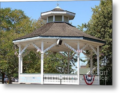 Metal Print featuring the painting Bandshell In Plymouth, Mass by Rod Jellison
