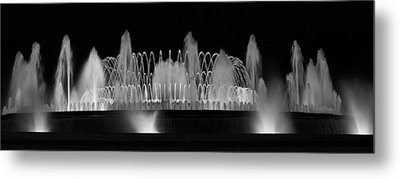 Barcelona Fountain Nightlights Metal Print by Farol Tomson