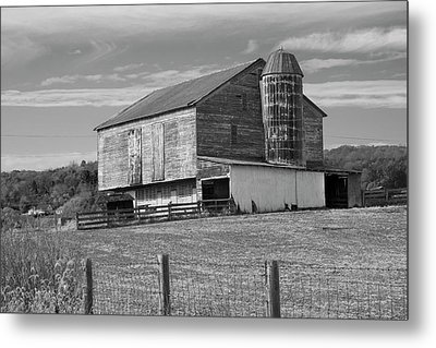 Metal Print featuring the photograph Barn 1 by Mike McGlothlen