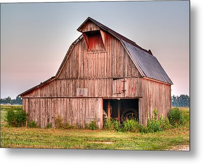 Barn Near Walnut Ridge Arkansas Metal Print by Douglas Barnett