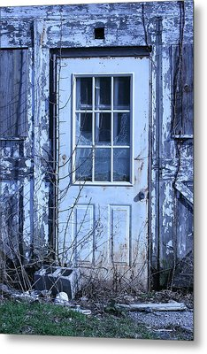 Battered   Metal Print by William Albanese Sr