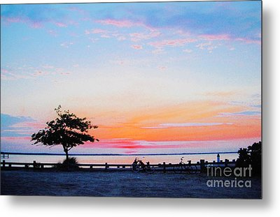 Metal Print featuring the photograph Bay Sunset by Susan Carella