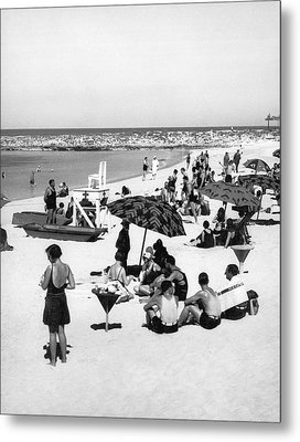 Beach Scene At Cape Cod Metal Print