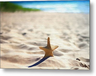 Beach Starfish Wood Texture Metal Print by Dan Sproul