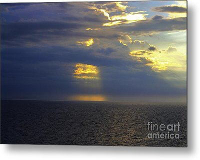 Beam Me Up Metal Print by Patti Whitten
