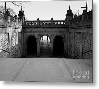 Bethesda Terrace In Central Park - Bw Metal Print