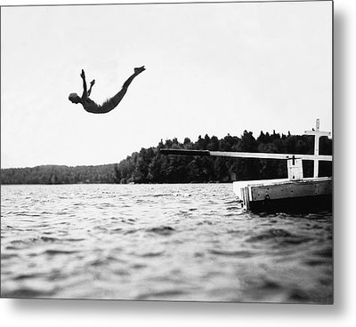 Big Pond Swan Dive Metal Print by Underwood Archives