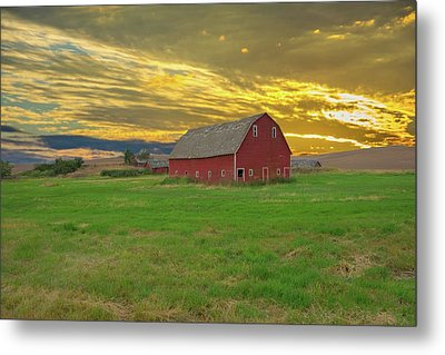 big sky country barn Montana Metal Print