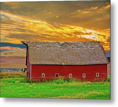 Big Sky Country Barn Metal Print