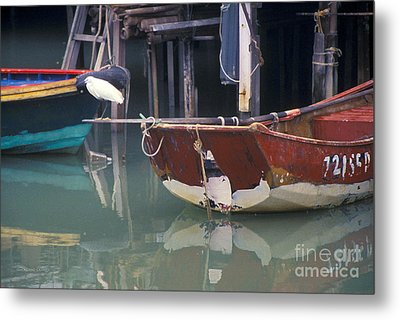 Bird On Boat Oar - Hong Kong Metal Print by Gordon Wood