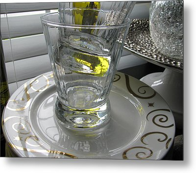 Metal Print featuring the photograph Bistro Plates And Glasses by Lindie Racz