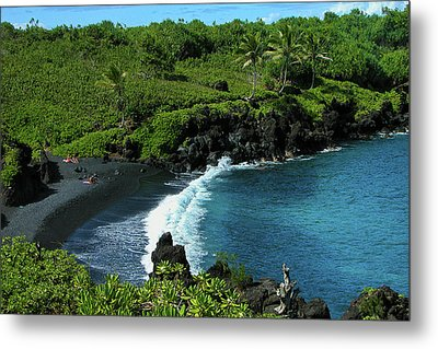 Black Sand Beach  Metal Print by Harry Spitz