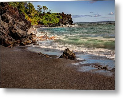 Metal Print featuring the photograph Black Sand Beach Maui by Shawn Everhart