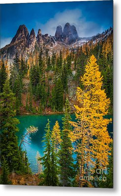 Blue Lake And Early Winter Spires Metal Print by Inge Johnsson