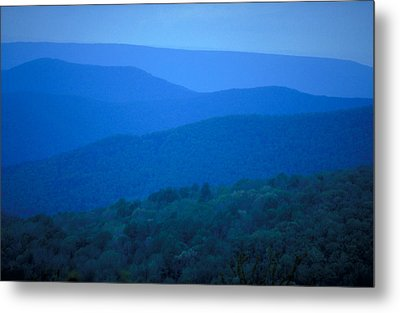 Blue Ridge Mountains Metal Print by Carl Purcell