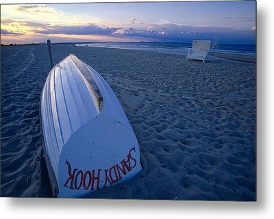 Boat On The New Jersey Shore At Sunset Metal Print by George Oze