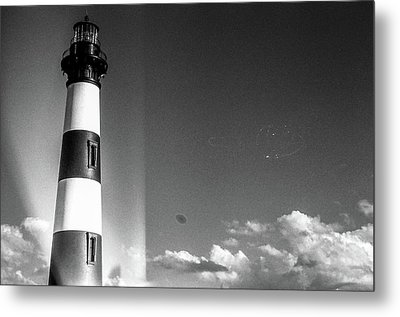 Metal Print featuring the photograph Bodie Island Lighthouse by David Sutton