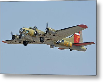 Metal Print featuring the photograph Boeing B-17g Flying Fortress N93012 Nine-o-nine Phoenix-mesa Gateway Airport Arizona April 15, 2016 by Brian Lockett