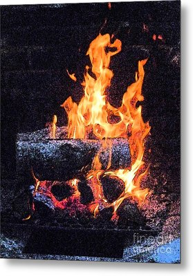 Metal Print featuring the photograph Bon Fire In Fresco by Margie Avellino