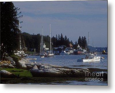 Boothbay Harbor In Maine Metal Print by Darleen Stry