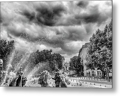 Bordeaux Fountains In The Park Metal Print