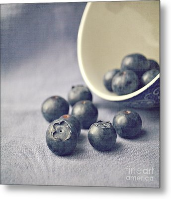 Bowl Of Blueberries Metal Print by Lyn Randle