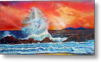 Breaking Wave Metal Print by Michael Durst