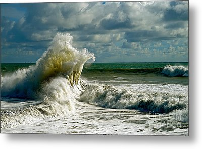 Breakwater Backwash Metal Print by Michael Cinnamond