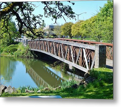Bridge At Cox Creek Metal Print by VLee Watson