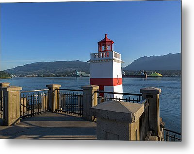 Brockton Point Lighthouse In Vancouver Bc Metal Print by David Gn